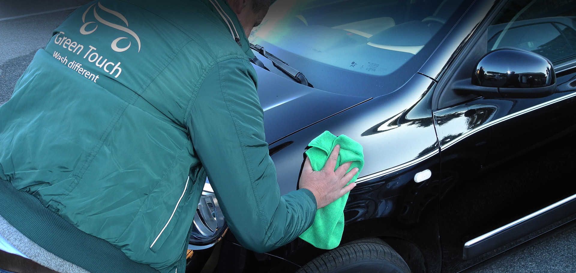 Autolavaggio e trattamento auto ecologico a domicilio